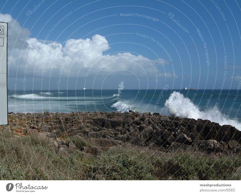 Waves in Guincho Guincho
