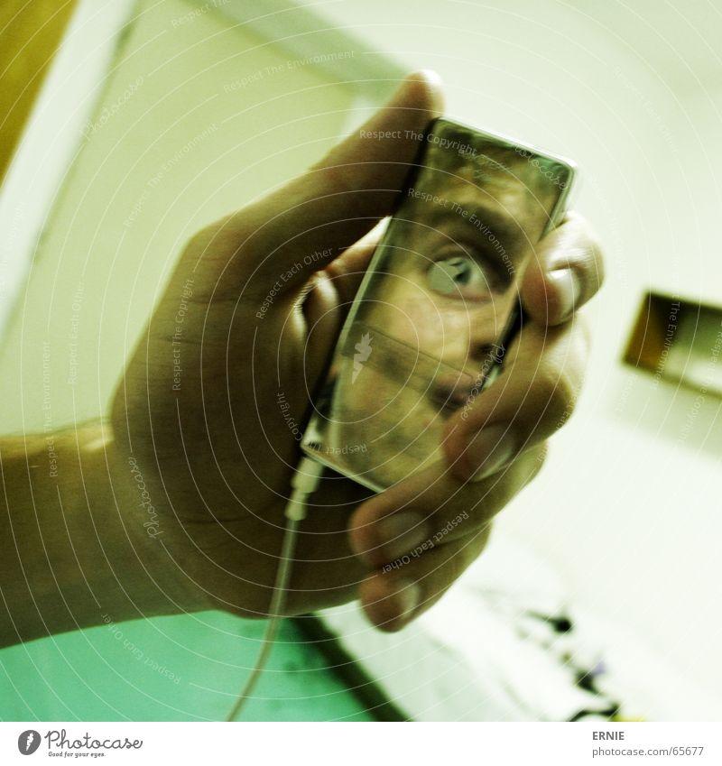 bratzen.Pod Hand Gesicht Raum warten Tür Finger Kabel Bodenbelag türkis Langeweile Nagel Regal Chile Prag Stecker hängend