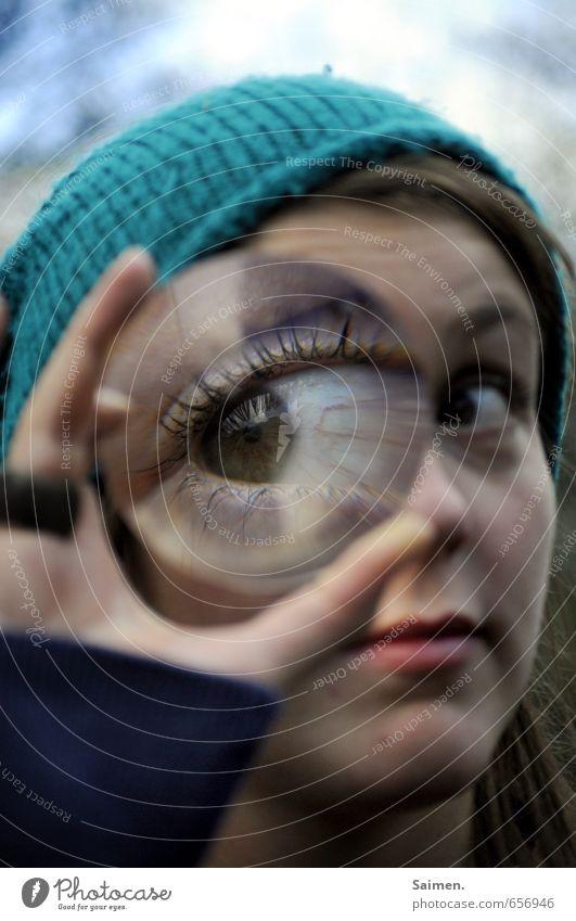 isch auge disch Mensch Frau Jugendliche Hand 18-30 Jahre Erwachsene Auge feminin Haare & Frisuren Kopf Mund Lippen Mütze Wimpern Linse Lupe