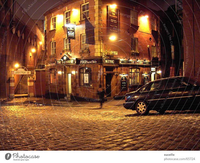 Manchester Pub Bar England Nacht dunkel Gebäude Haus Nachtleben Gasse Seitenstraße Nachtaufnahme Stillleben groß britanien nordengland Straße no people