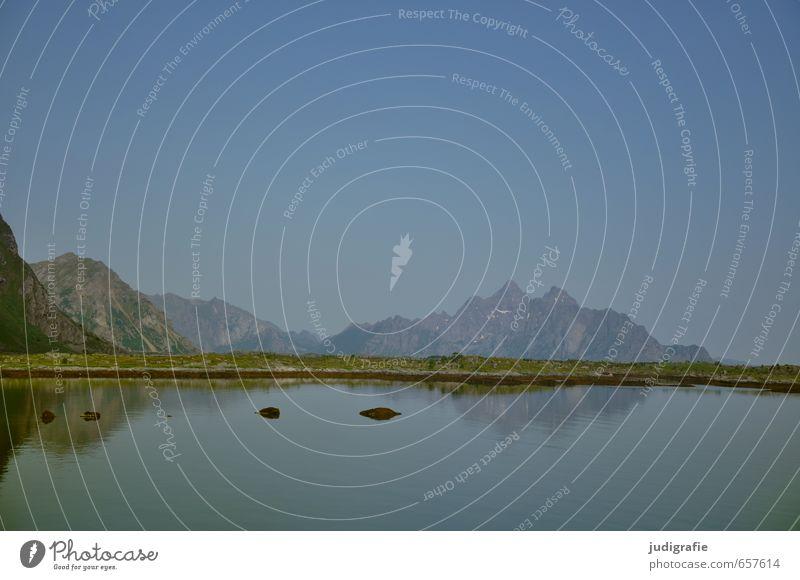 Lofoten Umwelt Natur Landschaft Urelemente Klima Felsen Berge u. Gebirge Küste Fjord Norwegen kalt natürlich wild blau Stimmung Fernweh Einsamkeit Idylle