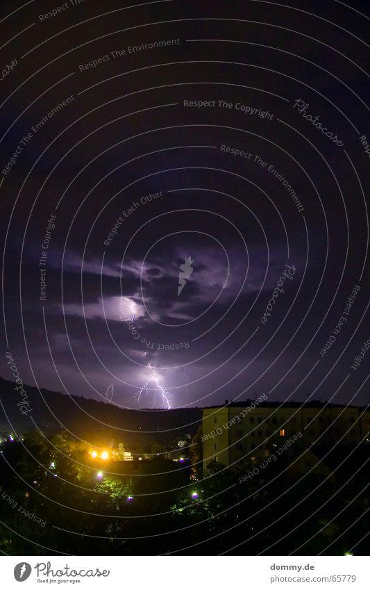 Unwetter einschlagen Wolken Nacht Langzeitbelichtung Haus Hochhaus Donnern Blitze Würzburg Würzburg-Zellerau Licht