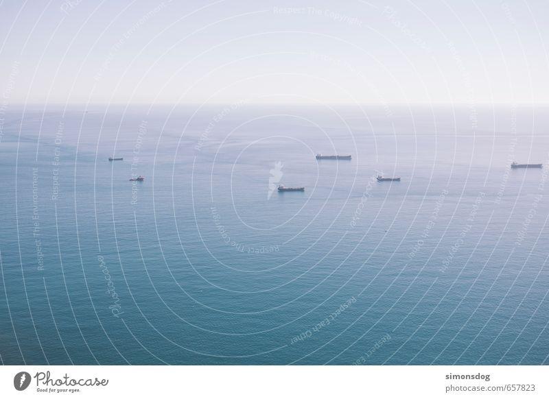 shipping Meer Ferne Wasserfahrzeug Horizont Wellen Verkehr Schönes Wetter Güterverkehr & Logistik Wolkenloser Himmel Schifffahrt Verkehrswege Mittelmeer