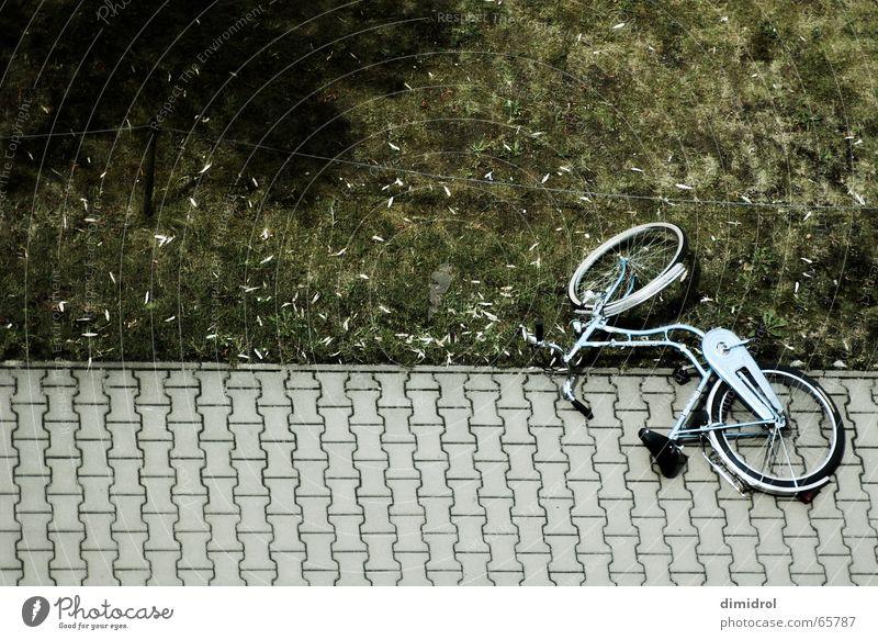 Just a Bike Straße liegen Fahrrad kaputt Fahrradausstattung