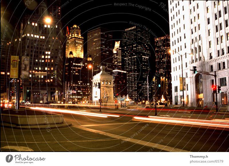 Große Städte schlafen nie! Stadt PKW Hochhaus Nacht Chicago Nordamerika