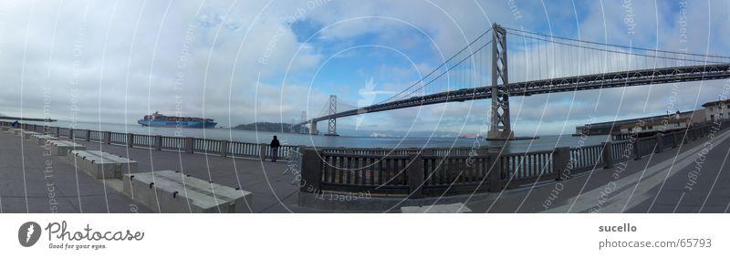 View on Bay Bridge from Embacadero Kalifornien San Francisco Frachter Panorama (Aussicht) Weitwinkel Brücke treasure island Insel Containerschiff Hafen groß