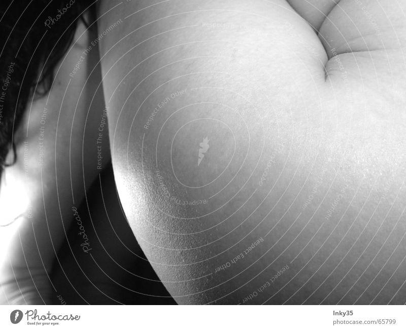 MIRO2 Frau nackt Schwung warum Epoche dunkel Pause Berghang Fragen Oberschenkel Wirt Lust Akt Beine Bauch Kontrast Durst Mensch schenel Schatten Tanzen black