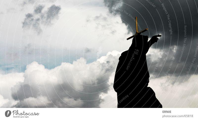 Foto Titel Himmel blau schwarz Wolken grau Religion & Glaube Rücken Jesus Christus Gott zeigen Götter Bibel dramatisch Prag Karlsbrücke