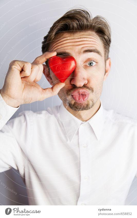 Bussi Lifestyle Mensch Junger Mann Jugendliche Leben 18-30 Jahre Erwachsene Hemd Scheitel Herz Beratung Partnerschaft Erwartung Freude Gefühle Glück Idee