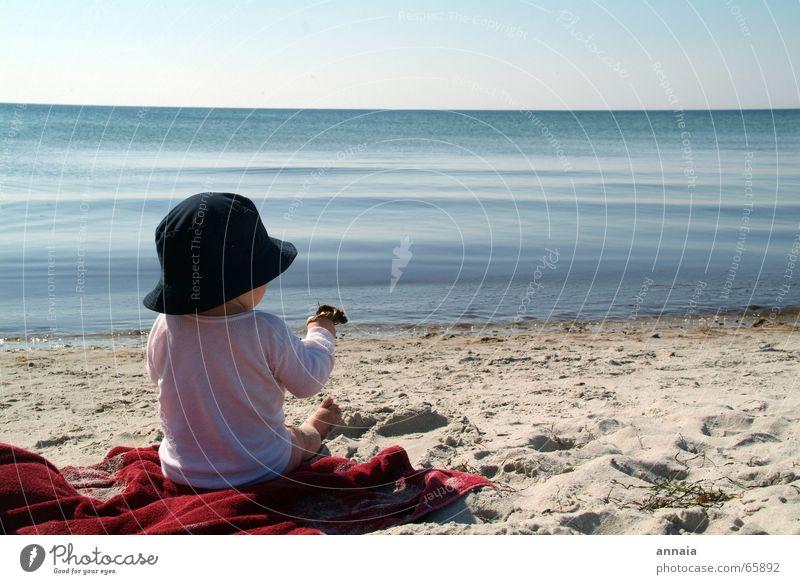 Meer Meer Meer Kind Wasser Meer Freude Strand Ferien & Urlaub & Reisen ruhig Leben Spielen träumen Sand Insel Aussicht berühren Neugier entdecken