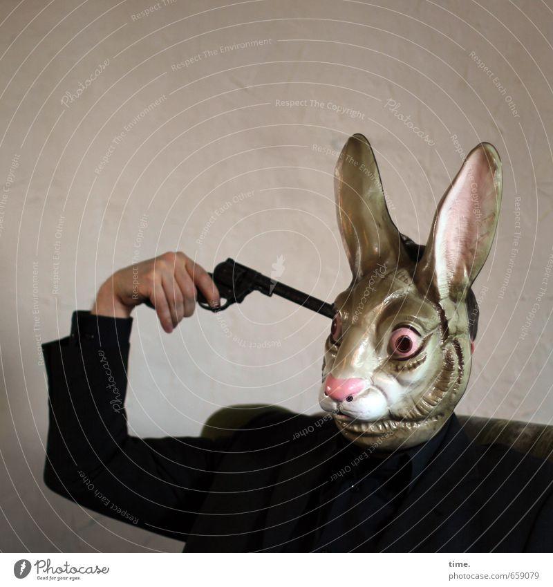 STUDIO TOUR   Ostern fällt aus Mensch 1 Kunst Kunstwerk Maske Sinnbild Pistole träumen Traurigkeit Tod Müdigkeit Enttäuschung Erschöpfung Stress Verzweiflung