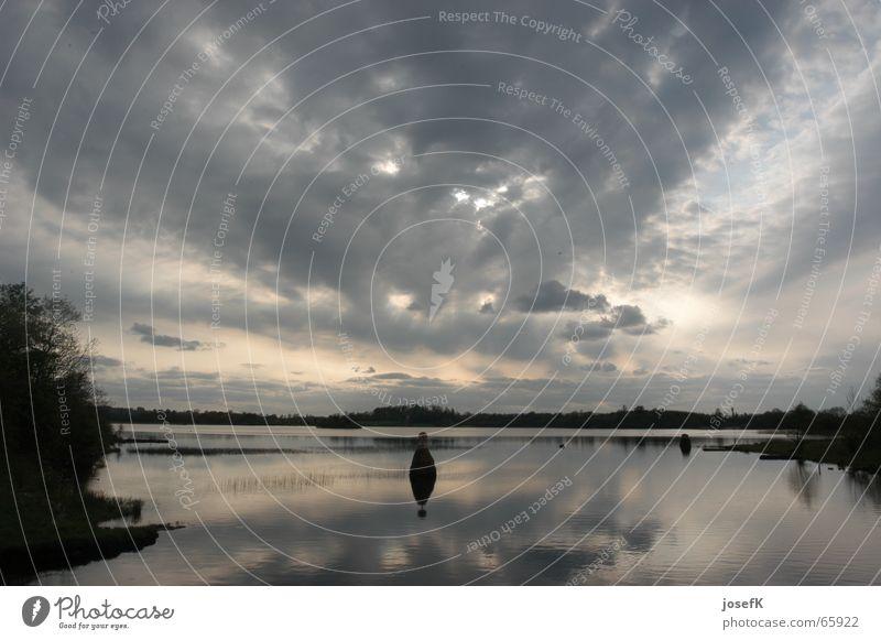 Abendstimmung auf dem Shannon River in Irland Abenddämmerung Wolken Regenwolken See Himmel Fluss Republik Irland Wasser