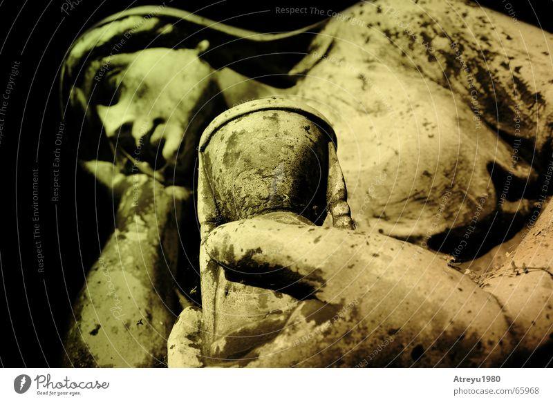 ....auszeit Statue Zeit Sanduhr Friedhof Trauer Ewigkeit alt melacholie warten atreyu