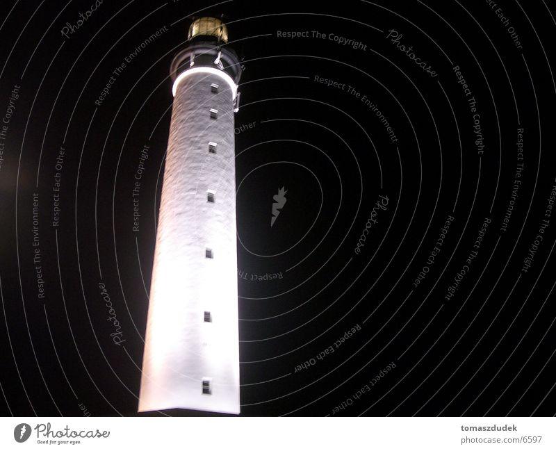 Leuchtturm Biarritz Nacht weiß schwarz Architektur Lampe