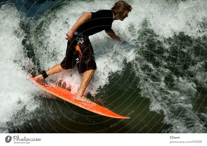 Citysurfer IV Mensch Mann Wasser grün Winter Sport kalt Stil Zufriedenheit Wellen Wassertropfen nass modern Elektrizität Coolness Körperhaltung