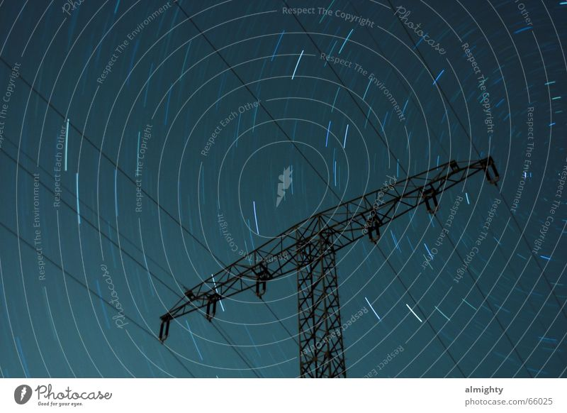 Sternenstunde Energiewirtschaft Elektrizität Strommast Sternenhimmel Astronomie Dauerlicht