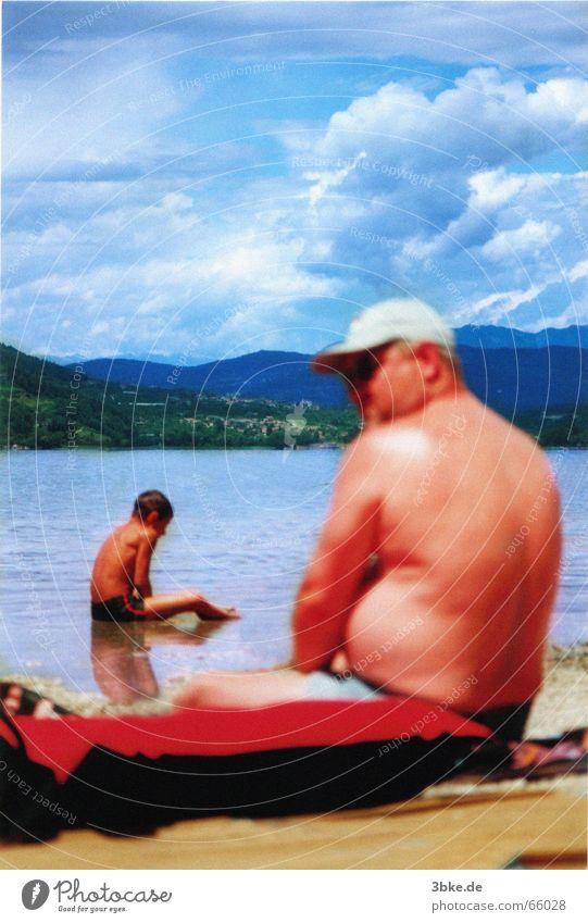 beach life/live 01 Kind Mann Wasser Himmel Meer blau Strand Wolken Spielen Sandstrand