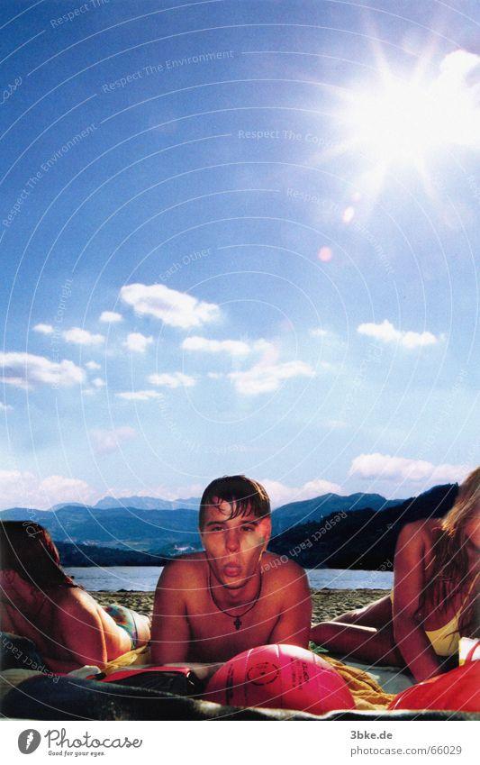 beach life/live 02 Frau Mann Wasser Himmel Sonne Meer blau Strand Wolken Spielen Sandstrand
