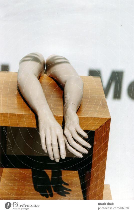 HELPING HANDS Hand Sonne Arme Design leer Pause Buchstaben Dekoration & Verzierung Typographie Puppe falsch gestalten Schattenspiel Schaufenster Schrank Vitrine