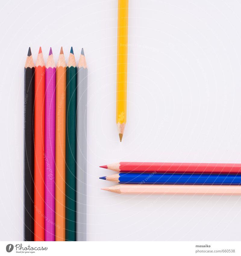 Bleistifte Bildung Wissenschaften Erwachsenenbildung Kindergarten Schule lernen Schulgebäude Schüler Lehrer Berufsausbildung Studium Student Hochschullehrer