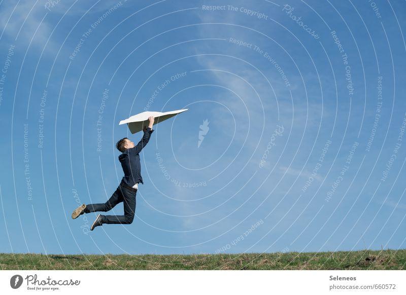 Hipp Hipp Hurra Mensch Himmel Natur Mann Sommer Sonne Wolken Erwachsene Umwelt Wiese Sport Gras Freiheit springen Horizont fliegen