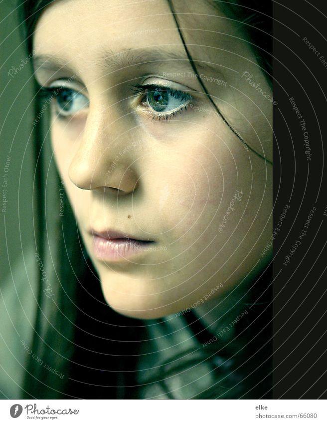 gedanken über Frau Kind Jugendliche Mädchen Gesicht Auge Denken Mund Nase Sehnsucht Gedanke Porträt