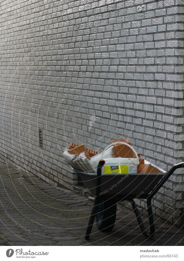 ARBEIT GEHT VOR Arbeit & Erwerbstätigkeit Wand grau dreckig Baustelle Renovieren Bauarbeiter Sanieren Zerreißen Zement Schubkarre Schwarzarbeit