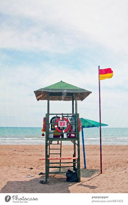 lifeguard Ferien & Urlaub & Reisen Sommer Meer Ferne Strand Schwimmen & Baden Wellen Tourismus Schutz Sicherheit Sonnenbad Hütte Vertrauen Fahne Kreuz