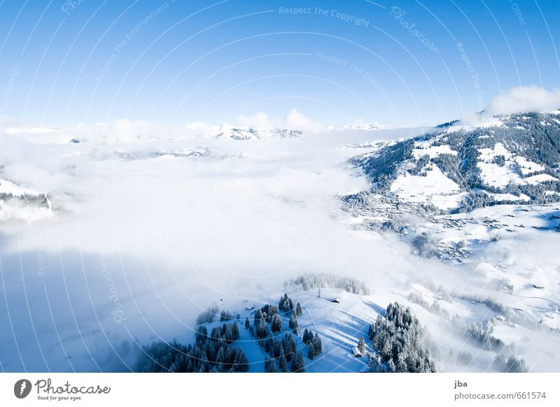 der erste Flug Himmel Natur blau Erholung ruhig Wolken Winter Berge u. Gebirge Leben Schnee Sport Freiheit Luft fliegen Nebel Zufriedenheit
