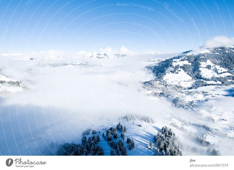 der erste Flug Leben Wohlgefühl Zufriedenheit Erholung ruhig Freiheit Winter Schnee Berge u. Gebirge Sport Gleitschirmfliegen Sportstätten Natur Luft