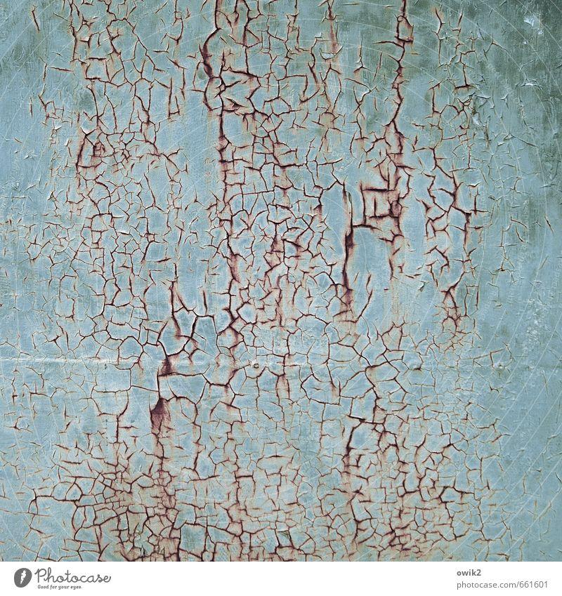 Spurenlesen blau alt Farbe natürlich Metall trist authentisch Vergänglichkeit Wandel & Veränderung Textfreiraum trocken Spuren verfallen Teile u. Stücke Verfall Rost