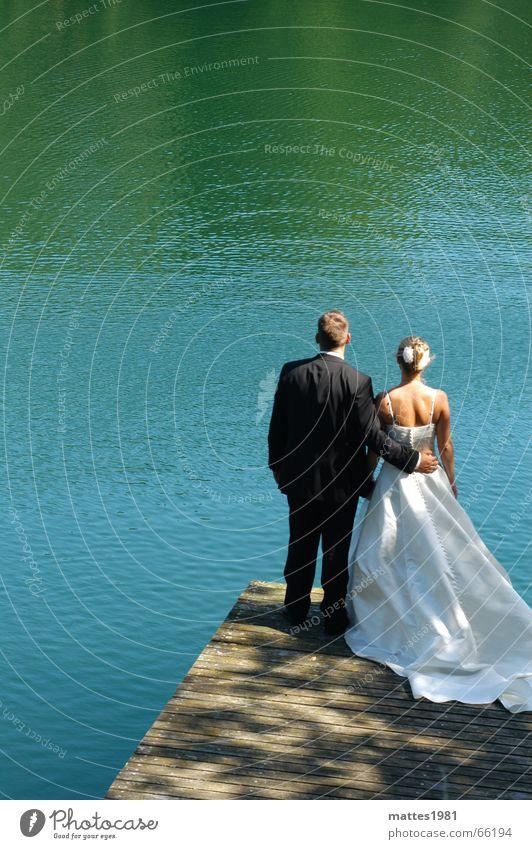 Hochzeit Wasser Liebe Ferne Freiheit Glück Paar Familie & Verwandtschaft See Wärme paarweise Zukunft Vertrauen Mut Verbindung Partner