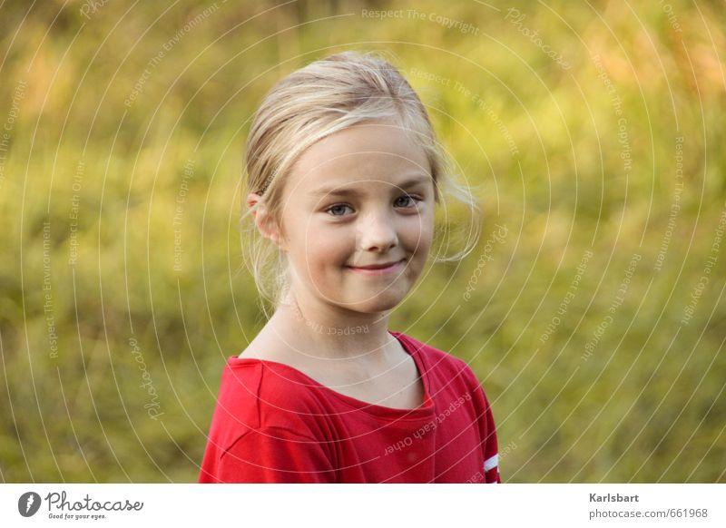 Rose Locke. Mensch Kind Natur Jugendliche Ferien & Urlaub & Reisen Sommer Mädchen Freude Gesicht Umwelt Gesunde Ernährung Wiese feminin Herbst Frühling Schule