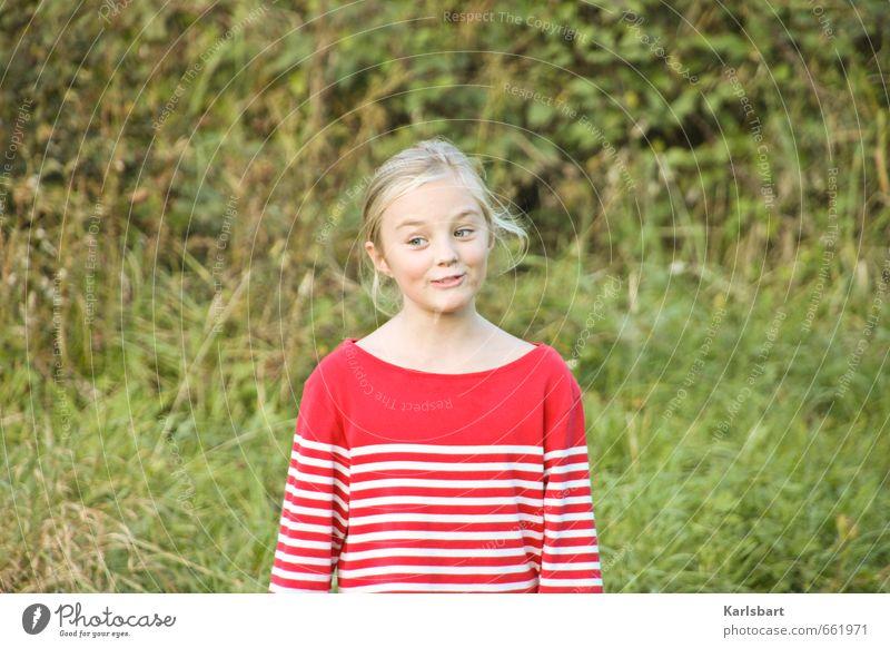 Ostereiersuchen Mensch Kind Natur Sommer Mädchen Bewegung Wiese feminin Frühling Garten Familie & Verwandtschaft blond Kindheit Schönes Wetter Streifen Bildung