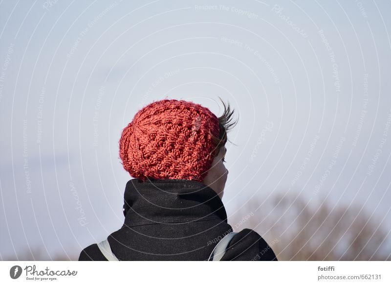 windabstehhaar feminin Junge Frau Jugendliche 1 Mensch 18-30 Jahre Erwachsene Mütze schön Stil Ferne gestrickt ruhig genießen geschlossene Augen besinnlich Wind