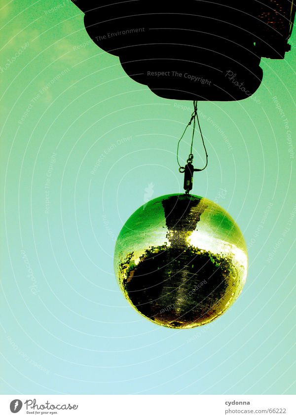 Le Discokugel Party Veranstaltung Glamour Spiegel hängen singen Musik Himmel Club glänzend Reflexion & Spiegelung reflektion aufgehängt Freude Tanzen