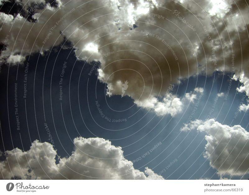 // Erscheinung!? Wolken Strahlung Licht Unendlichkeit dunkel grell Götter Ewigkeit Angelrute Himmel Limit frei Freiheit hell Schatten Gott blau Lichterscheinung
