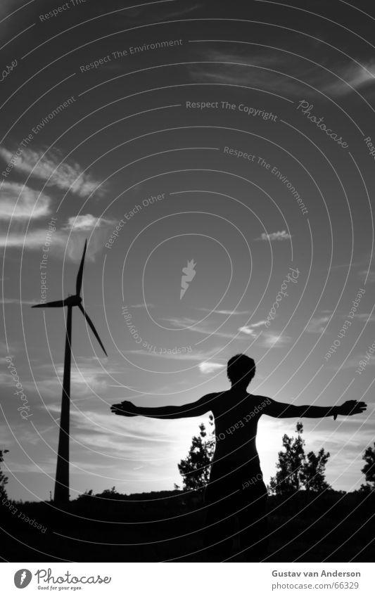 Lebendes Windkraftwerk Mensch Mann Natur Himmel weiß Baum Sonne schwarz Wolken Energiewirtschaft Elektrizität Windkraftanlage Mühle Erneuerbare Energie