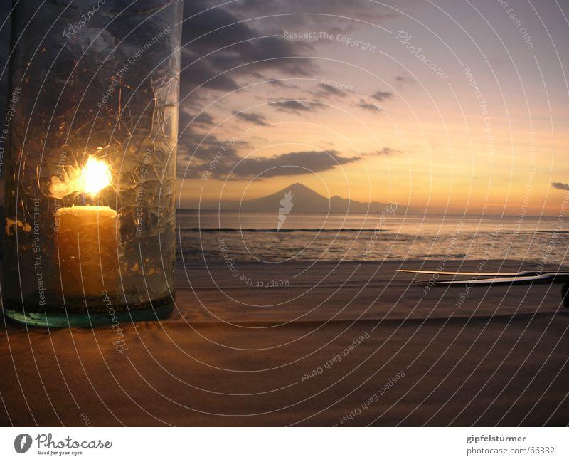 Candlelight Dinner Sonnenuntergang Festessen Indonesien Kerze Wolken Meer Tisch Vulkan Abend candlelight Glas Berge u. Gebirge Tischwäsche