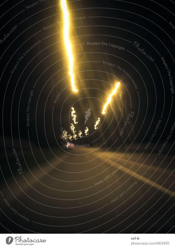 Stadt dunkel gelb Straße Bewegung gehen Verkehr Geschwindigkeit verrückt Ausflug Zukunft Abenteuer fahren Straßenbeleuchtung Rausch Autofahren
