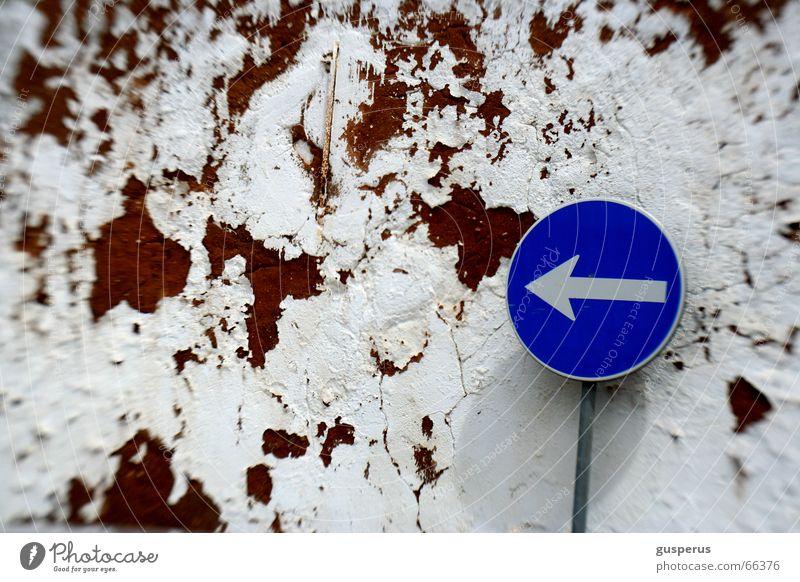 {  right direction??? v.2 } Schilderwald Richtung finden Mauer Wege & Pfade Methode Schilder & Markierungen wohin? da und dort gegen die wand nix wissen course