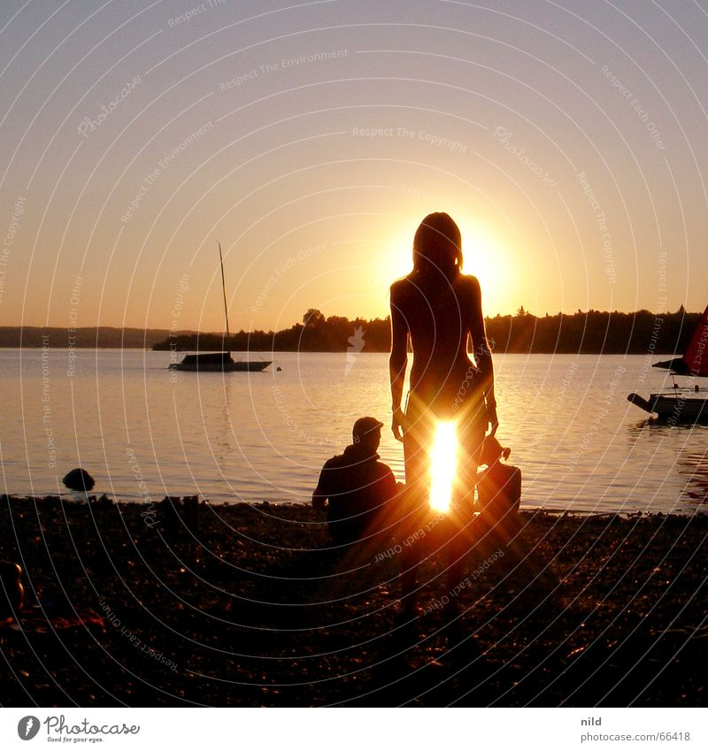 sex(y) on the beach Frau Strand Ferien & Urlaub & Reisen ruhig Bayern Paar See Wasserfahrzeug 3 Bikini blenden Sonnenuntergang Ammersee