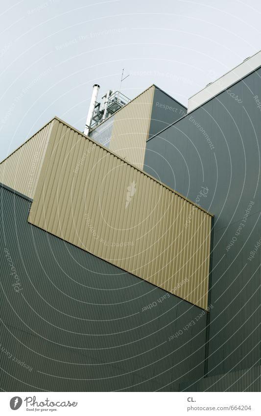 industrie Himmel Industrieanlage Fabrik Bauwerk Gebäude Architektur Fassade trist industriell Farbfoto Außenaufnahme Menschenleer Tag Blick nach oben