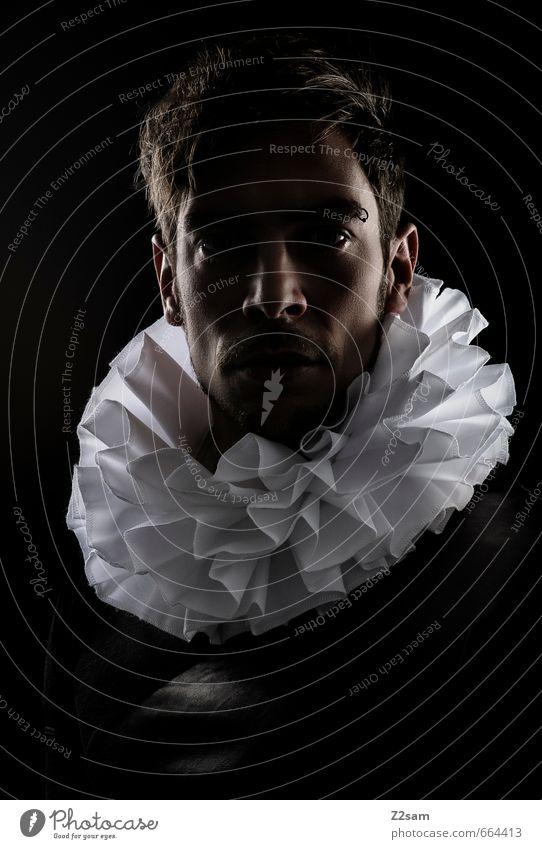 Delirium Mensch maskulin Junger Mann Jugendliche 30-45 Jahre Erwachsene Künstler Skulptur Theater Bühne Zirkus Mode Kragen Denken genießen träumen Traurigkeit