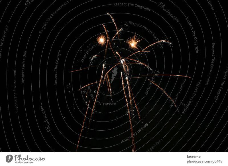 Rumstada Brand Silvester u. Neujahr Feuerwerk Reaktionen u. Effekte Funken