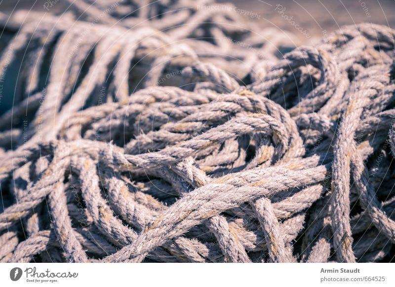 Haufen Seil Knäuel Knoten gordischer Knoten alt einfach grau chaotisch Gesellschaft (Soziologie) Rätsel planen Vergänglichkeit Zeit verheddert Globalisierung