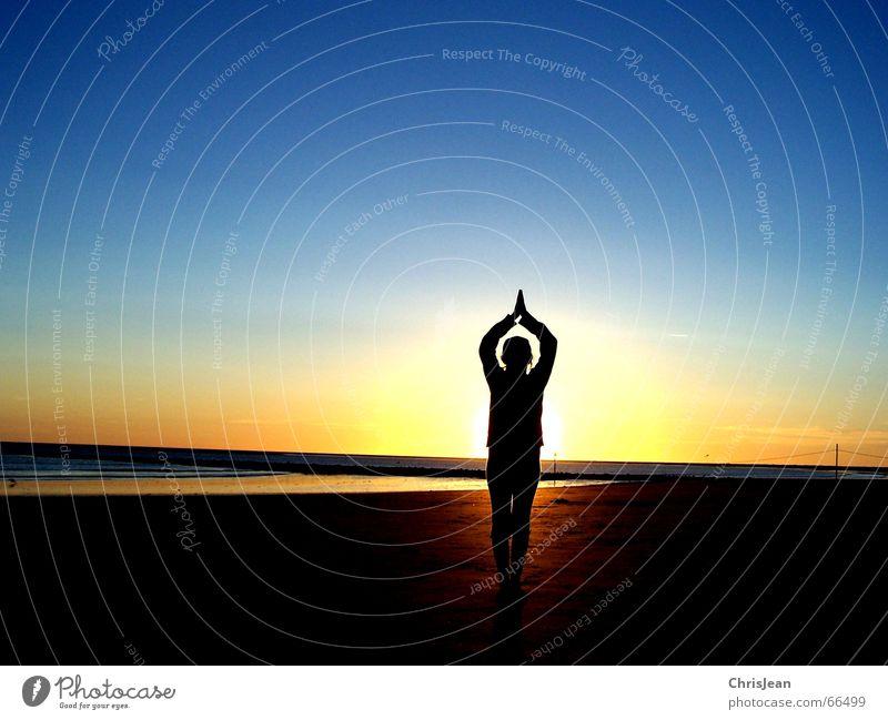 Yoga Borkum Strand Meer Stab Baseballmütze Sonnenuntergang ruhig Erholung Wellness Vergangenheit egypt girl sea Sand Wasser sun Insel Seil Haare & Frisuren