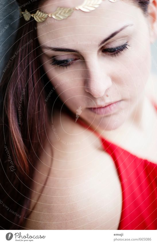 greek feminin Junge Frau Jugendliche Erwachsene Gesicht 1 Mensch 18-30 Jahre schön einzigartig rot nachdenklich Farbfoto Außenaufnahme Nahaufnahme Tag