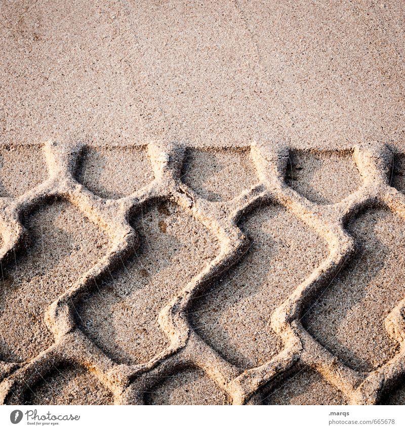 Sand im Getriebe Arbeit & Erwerbstätigkeit Baustelle Spuren Abdruck Reifenspuren bauen fahren Wandel & Veränderung Farbfoto Außenaufnahme Detailaufnahme