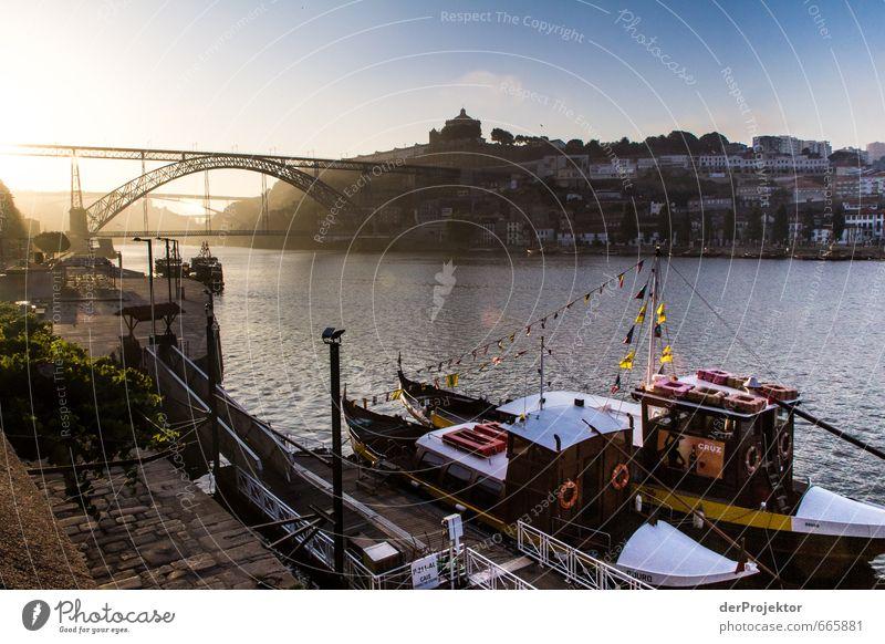 Porto am Morgen blau Gefühle außergewöhnlich gold Tourismus ästhetisch Brücke Hafen Flussufer Skyline Schifffahrt Denkmal Stadtzentrum Wahrzeichen